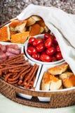 Ποικίλα τραγανά πρόχειρα φαγητά Στοκ Εικόνα