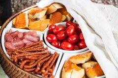 Ποικίλα τραγανά πρόχειρα φαγητά Στοκ Εικόνες