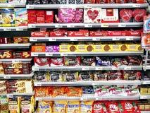Ποικίλοι εισαγόμενοι και τοπικοί φραγμοί και καραμέλες σοκολάτας Στοκ εικόνες με δικαίωμα ελεύθερης χρήσης