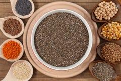 Ποικιλία σιταριών και σπόρων - υγιής έννοια τροφίμων στοκ φωτογραφίες με δικαίωμα ελεύθερης χρήσης