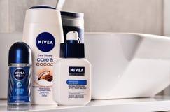 Ποικιλία των προϊόντων της Nivea συμπεριλαμβανομένου creme και του σαπουνιού στοκ φωτογραφία με δικαίωμα ελεύθερης χρήσης