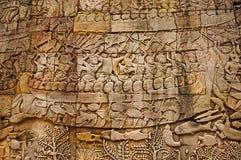 Πολεμική σκηνή που χαράζεται στην εξωτερική στοά ναών Bayon Στο κέντρο Angkor Thom, Siem συγκεντρώνει, Καμπότζη στοκ εικόνες με δικαίωμα ελεύθερης χρήσης