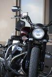 Πολεμιστής οδικών αστεριών Yamaha XV1700PC μοτοσικλετών Κινηματογράφηση σε πρώτο πλάνο μπροστινής άποψης στοκ φωτογραφία με δικαίωμα ελεύθερης χρήσης