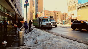 ΠΟΛΗ της ΝΕΑΣ ΥΌΡΚΗΣ - 16 Μαρτίου 2017 ισχυρή χιονόπτωση στη λεωφόρο, Νέα Υόρκη, Μανχάταν, απόθεμα βίντεο