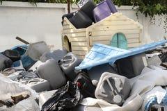 Πολλά πλαστικά απόβλητα στοκ φωτογραφίες με δικαίωμα ελεύθερης χρήσης