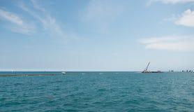 Πολλά sailboats που πλέουν σε μια λίμνη του Μίτσιγκαν Στοκ Εικόνα