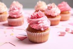 Πολλά yummy cupcakes στοκ φωτογραφία