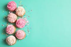 Πολλά yummy cupcakes στοκ φωτογραφία με δικαίωμα ελεύθερης χρήσης