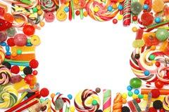 Πολλές διαφορετικές yummy καραμέλες στο άσπρο υπόβαθρο, τοπ άποψη στοκ φωτογραφίες με δικαίωμα ελεύθερης χρήσης