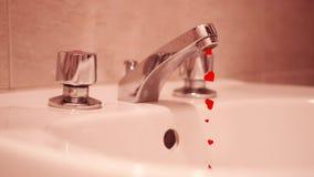 Πολλές κόκκινες καρδιές βγαίνουν από τη βρύση στο σπίτι αντί του νερού διανυσματική απεικόνιση