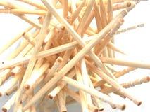Πολλές μπεζ ξύλινες οδοντογλυφίδες χρώματος Στοκ Εικόνες