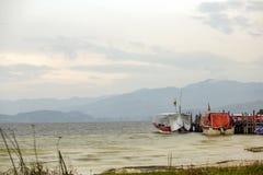 Πολλαπλάσια έκθεση μιας άποψης της λίμνης Tota στοκ εικόνα