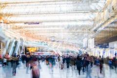 Πολλαπλάσια εικόνα έκθεσης των περπατώντας ανθρώπων στο Λονδίνο Απεικόνιση επιχειρησιακής έννοιας Στοκ φωτογραφία με δικαίωμα ελεύθερης χρήσης