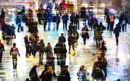 Πολλαπλάσια εικόνα έκθεσης των περπατώντας ανθρώπων στο Λονδίνο Απεικόνιση επιχειρησιακής έννοιας Στοκ Φωτογραφία