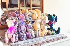 Πολλοί υφαντικό tilda teddy αντέχουν τα παιχνίδια στο εργαστήριο Στοκ Εικόνα