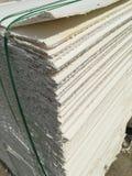 Πολτός χαρτιού που συσκευάζεται στην παλέτα στοκ εικόνες