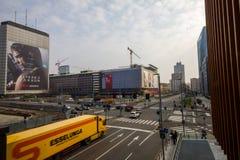 Πολυάσχολη διατομή στο κέντρο του Μιλάνου Στοκ Εικόνες