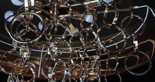 Πολυέλαιος μετάλλων των δαχτυλιδιών απόθεμα βίντεο