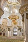Πολυέλαιος Sheikh στο μουσουλμανικό τέμενος Zayed Στοκ Εικόνες