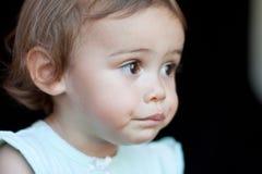 πολυπολιτισμικό πορτρέτο κοριτσιών κινηματογραφήσεων σε πρώτο πλάνο μωρών Στοκ Εικόνες