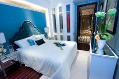 πολυτέλεια κρεβατοκάμ&al Στοκ Φωτογραφία