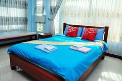 πολυτέλεια κρεβατοκάμ&al στοκ φωτογραφίες με δικαίωμα ελεύθερης χρήσης