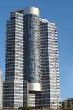 πολυόροφο κτίριο συγκ&upsil στοκ εικόνα με δικαίωμα ελεύθερης χρήσης