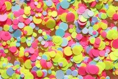 Πολυ χρωματισμένα τσέκια για το σχέδιο των καρφιών ακτινοβολήστε Φύλλο αλουμινίου για την υπηρεσία καρφιών Shimmer ομορφιάς σπινθ στοκ εικόνα με δικαίωμα ελεύθερης χρήσης