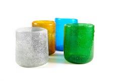 Πολυ χρωματισμένα φλυτζάνια γυαλιού στοκ εικόνες με δικαίωμα ελεύθερης χρήσης