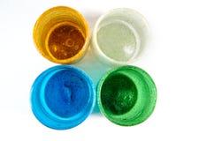 Πολυ χρωματισμένα φλυτζάνια γυαλιού στοκ φωτογραφίες