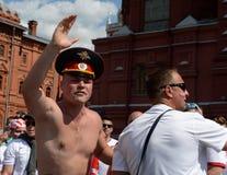 Πολωνικοί οπαδοί ποδοσφαίρου στην πλατεία Manezhnaya κατά τη διάρκεια του Παγκόσμιου Κυπέλλου Παγκόσμιο Κύπελλο της FIFA, Mundial Στοκ φωτογραφία με δικαίωμα ελεύθερης χρήσης