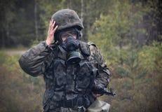 Πολωνικός στρατιώτης κατά τη διάρκεια της κατάρτισης στο έδαφος κατάρτισης στοκ φωτογραφία με δικαίωμα ελεύθερης χρήσης