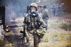 Πολωνικός στρατιώτης κατά τη διάρκεια της κατάρτισης στο έδαφος κατάρτισης στοκ φωτογραφίες