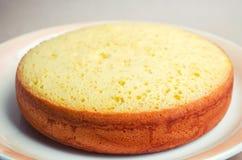 Πολύβλαστο και ψηλό κλασικό κέικ μπισκότων, κατάλυμα για ένα κέικ πίτα, σπιτικά κέικ, κέικ στη διαταγή Στοκ Φωτογραφίες