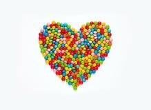 Πολύχρωμη dragees καραμελών καρδιά Στοκ φωτογραφία με δικαίωμα ελεύθερης χρήσης