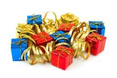πολύχρωμο serpentine δώρων στοκ φωτογραφία με δικαίωμα ελεύθερης χρήσης