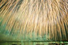 Πολύ μεγάλα πυροτεχνήματα Στοκ Εικόνα