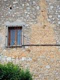 Πολύ παλαιός τοίχος σπιτιών βράχου, Γαλαξείδι, Ελλάδα Στοκ Εικόνες