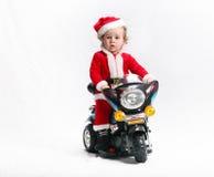 Πολύ συμπαθητικός Άγιος Βασίλης. στη μοτοσικλέτα Στοκ εικόνα με δικαίωμα ελεύθερης χρήσης