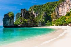 Πολύ όμορφος κόλπος, τροπικό νησί της Hong στην Ταϊλάνδη στοκ φωτογραφία