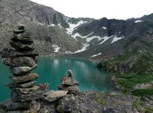 Πολύ όμορφο βουνό, παγετώδης λίμνη στοκ εικόνες με δικαίωμα ελεύθερης χρήσης