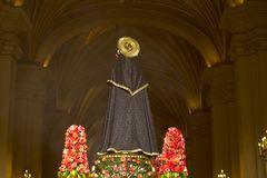 Πομπή της πίστης στην ιερή εβδομάδα στις οδούς της Λίμα στοκ εικόνες