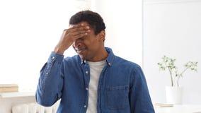Πονοκέφαλος, τονισμένο αφροαμερικανός άτομο, πορτρέτο στοκ εικόνα με δικαίωμα ελεύθερης χρήσης