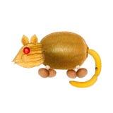Ποντίκι, που γίνεται αστείο από τα φρούτα και λαχανικά Στοκ Εικόνες