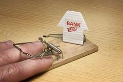 Ποντικοπαγήδα που τίθεται από την τράπεζα Στοκ Εικόνες