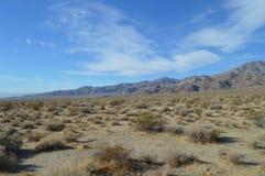 Πορεία και Vista εισόδων κοιλάδων Panamint σε Καλιφόρνια στοκ φωτογραφία
