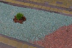 Πορεία με το πολύχρωμο αμμοχάλικο στοκ εικόνες με δικαίωμα ελεύθερης χρήσης