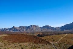 Πορεία πεζοπορίας στην κοιλάδα τοπίων ερήμων Pico del Teide, Teneri Στοκ φωτογραφία με δικαίωμα ελεύθερης χρήσης