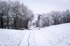 Πορεία ποδηλάτων που καλύπτεται από το χιόνι το βρετανικό χειμώνα 1 Στοκ Εικόνες