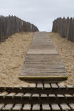 Πορεία στους αμμόλοφους άμμου Στοκ φωτογραφίες με δικαίωμα ελεύθερης χρήσης